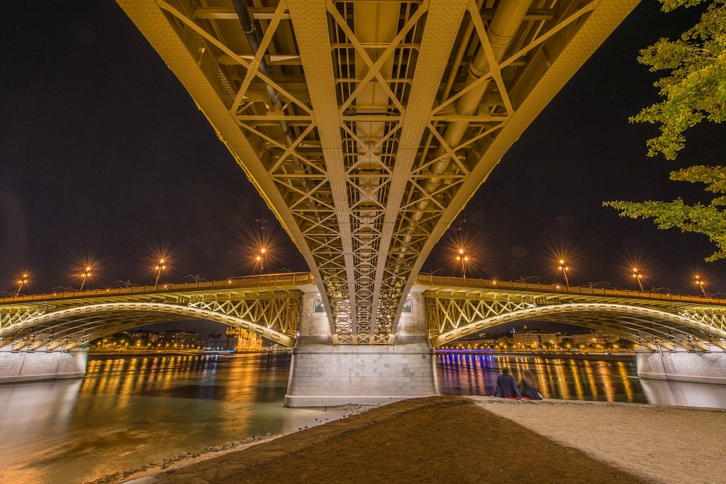 Budapest-Margit-Bridge-by-Night-II.jpg